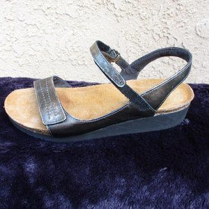 NAOT ~ METALLIC LEATHER SANDALS ~ 41 ~ 10 ~